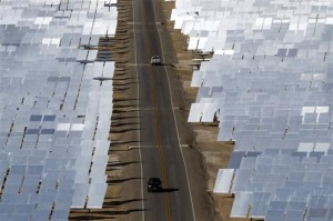 solar-thermal-mirrors-cars-Ivanpah-California