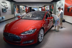 China-customers-Tesla-ModelS