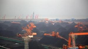 China-coal-stockpile-Greenpeace