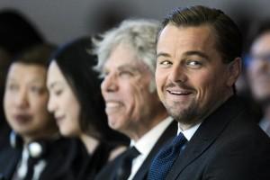 Leonardo-di-Caprio-WEF-Awards-big-oil