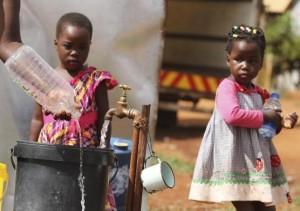 Zimbabwe-children-watch-water-collection