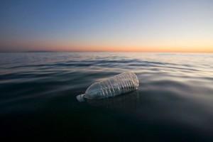 PET-bottle-float-ocean